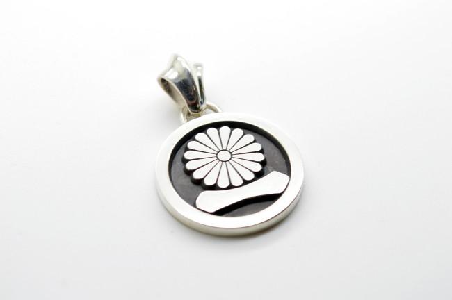 丸に菊一文字 家紋ペンダント製作例